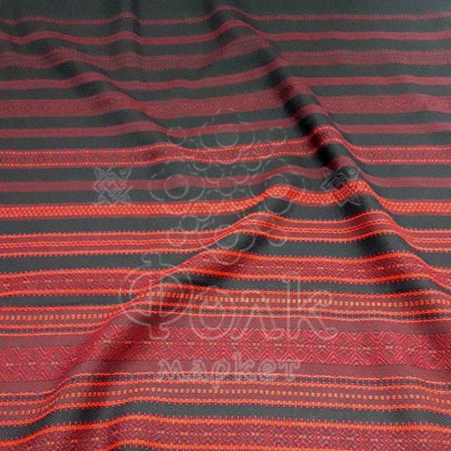 Ткань с украинской вышивкой