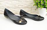Туфли женские кожаные черного цвета на низком ходу, фото 2