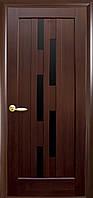 Дверное полотно Лаура с черным стеклом (Каштан / ПВХ DeLuxe)