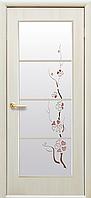 Дверное полотно Виктория со стеклом сатин и рисунком (Дуб жемчужный / Экошпон)