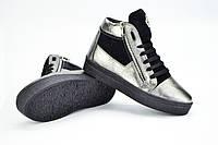 Высокие замшевые ботинки цвета никель, сникерсы, кеды