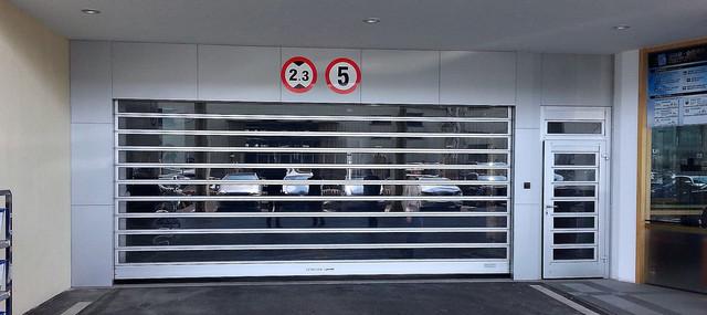 Ворота EFA-STT в паркінгу