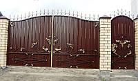 Ворота распашные с коваными листьями