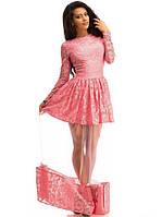 Эффектное платье в пол с фатиновой юбкой