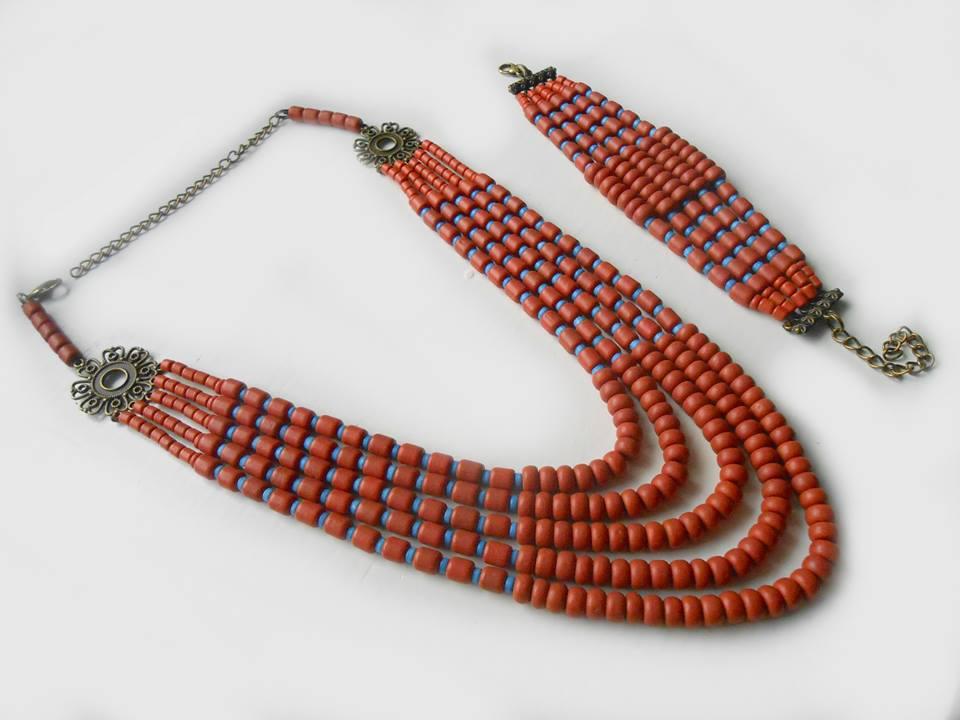 Ожерелье и браслет из керамики