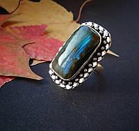 Кольцо с лабрадором в серебре размер 18,5