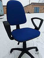 Кресло офисное б/у. Ткань офисная. Цвет:синий