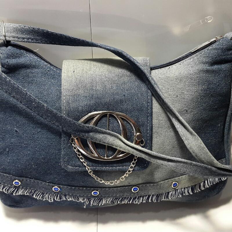 Сумка женская джинсовая с брошью 20х32 см