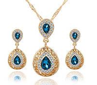 Ювелирный набор украшений с голубыми цирконами