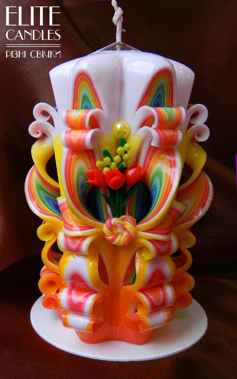 Свеча резная ярких цветов, ручная работа, 14 см высотой.