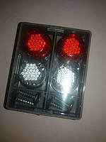 Автомобильный саморез катафот декоративный (цвет бело-красный)светоотражающий