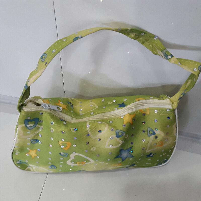 Женская косметичка салатовая со стразами 14х22 см