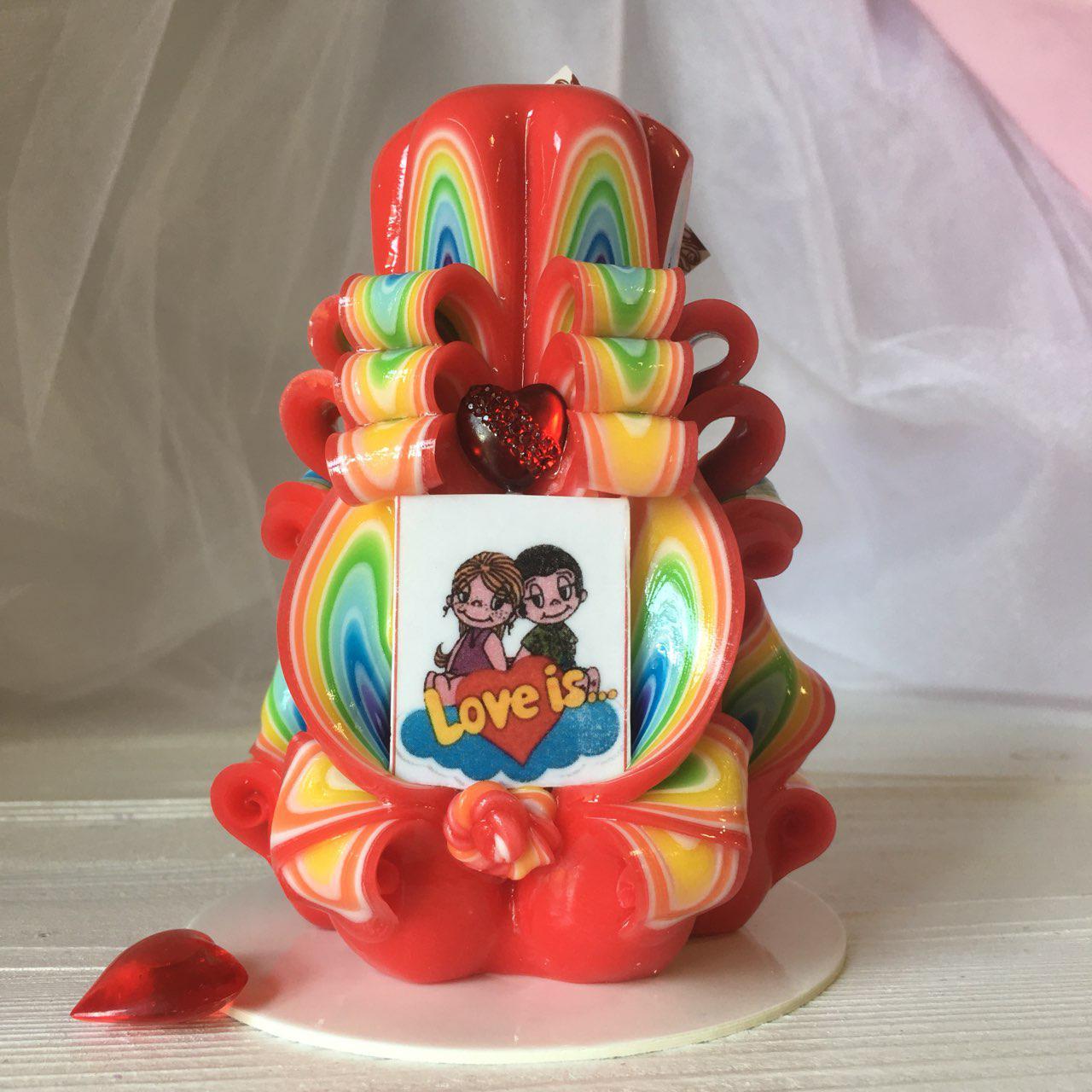 Свеча для влюбленных Lowe is... Приятный романтический подарок
