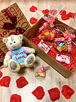 Подарочный набор с мягкой игрушкой копией мишки тедди в футболочке (средний),    подарок к 8 марта