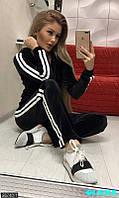 Велюровый спортивный костюм с лампасами