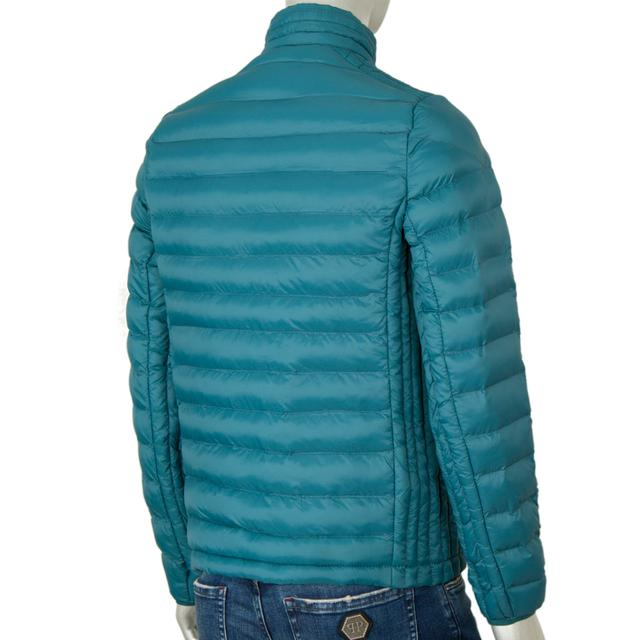Легкая стеганная мужская куртка