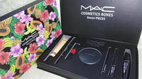 Косметический Набор МАК 7 предметов MAC Cosmetics Boxes Seven Pieces