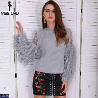 Женский свитер с бахромой