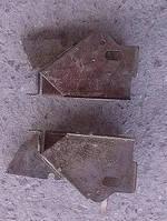 Звено петли крышки багажника ВАЗ 2115 левое