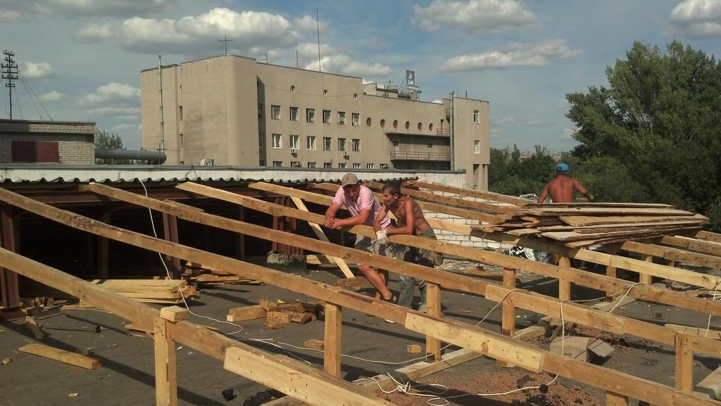 Реставрация скатной кровли на ХарьковХолодМаш 2012 год