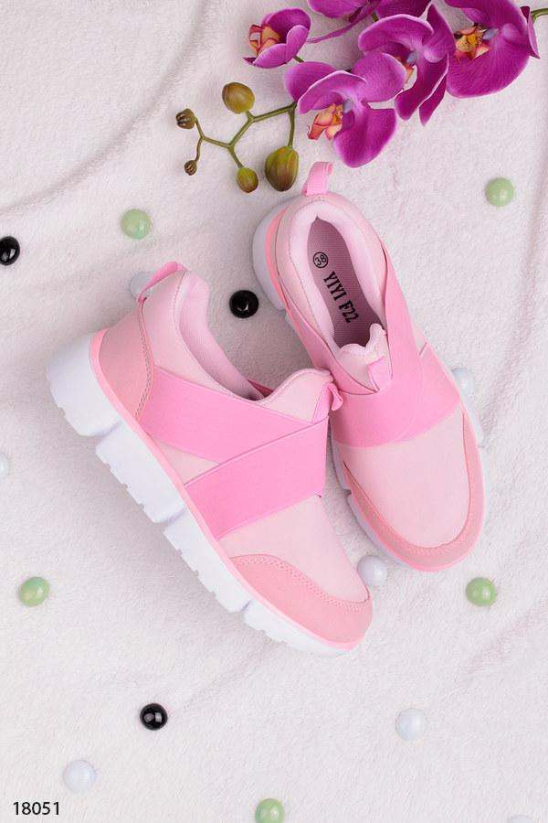 Женские кроссовки светло- розовые (пудра) без шнуровки, с резинкой