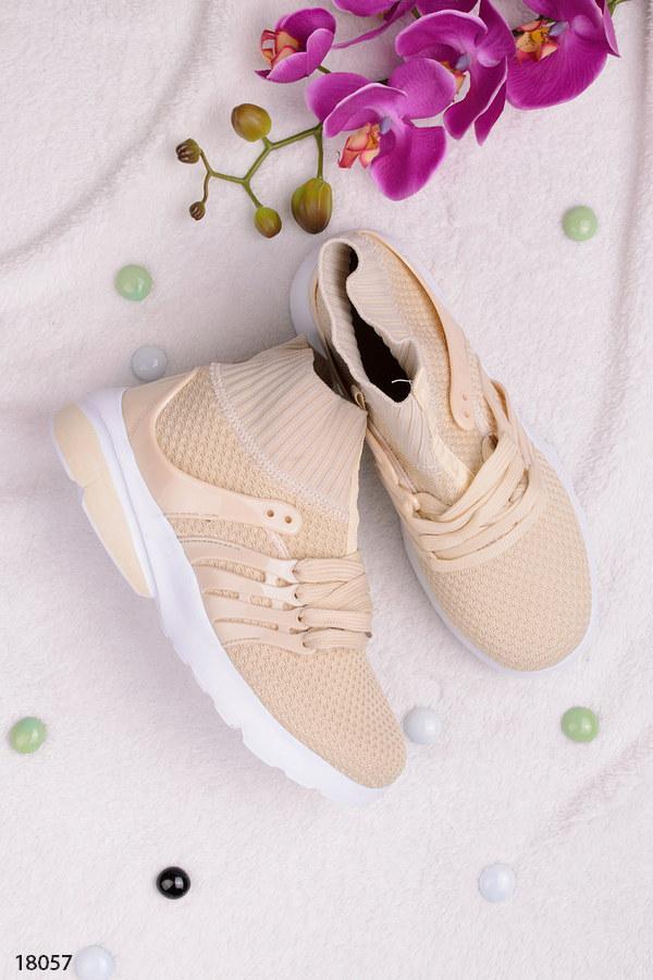 Женские кроссовки бежевые на шнуровке текстиль