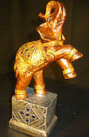Статуэтка  Слон на подставке (бронза\цвет)