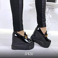 Женские чёрные туфли лаковые на платформе