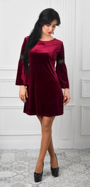 Жіноче плаття А-силуету модного відтінку марсала