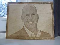 Выжигание портрета из дерева по фотографии на подарок любимому