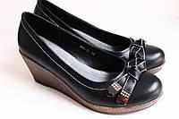 Туфли женские, черные, на платформе