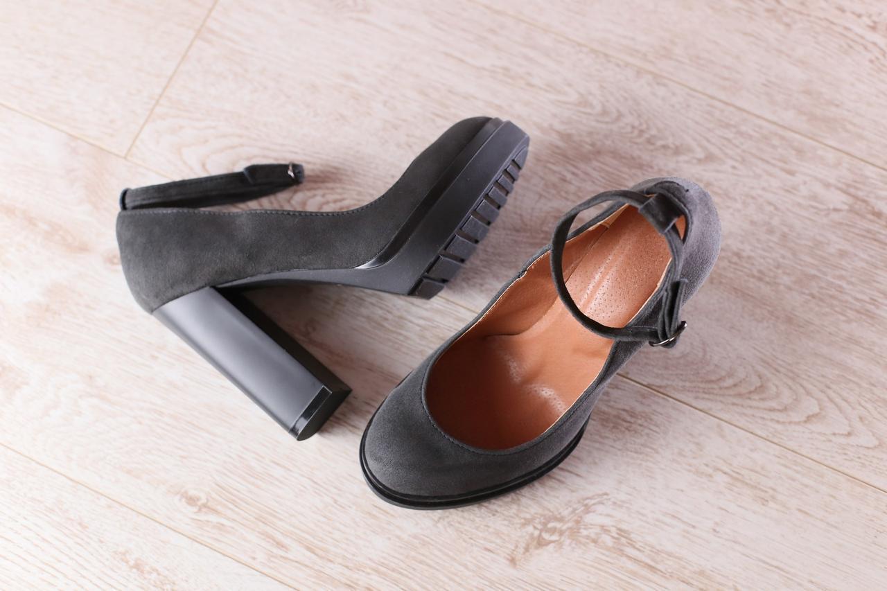 b0267ddbb4d6 ... Туфли женские, из натуральной замши, серые, с чокером сверху, на толстом  устойчивом ...