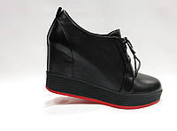 Черные кожаные туфли Еrisses на танкетке . Маленькие размеры.
