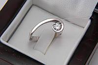 Серебряное кольцо оригинальной формы с фианитом, фото 1