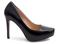 Элегантные женские туфли на шпильке
