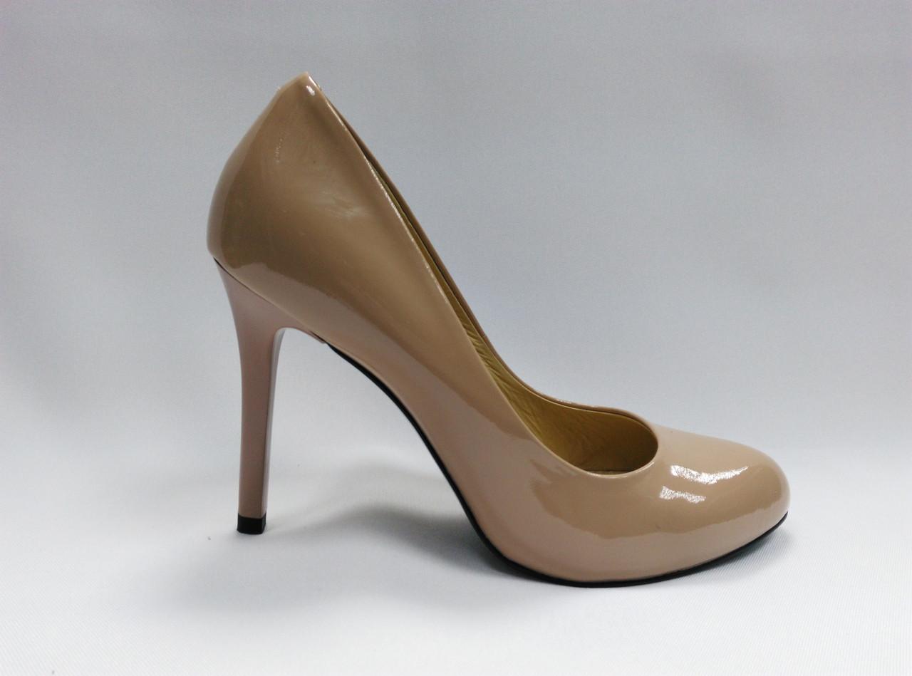 Лаковые кожаные туфли на каблуке Erisses .Маленькие ( 33 - 35 ) размеры.