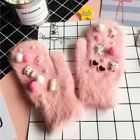 Пушистые варежки из ангорской шерсти Hello Kitty
