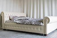 Красивая двуспальная кровать Chesterfield