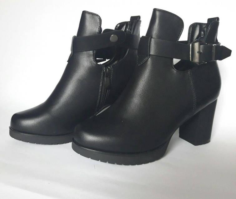 Ботинки с вырезами по бокам и ремешок, фото 4