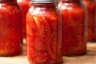 Помидоры целые очищенные в томатном соке, 500 г