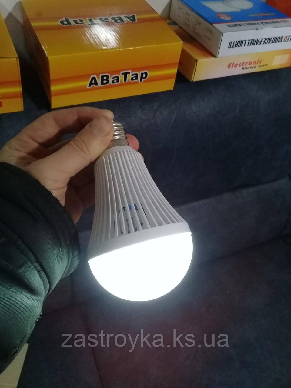 Светодиодная лампа с аккумулятором (аварийное освещение), 9 Вт