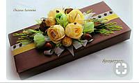 Офопмление подарков цветами из конфет
