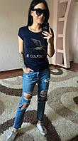 Женская футболка украшенная ласточкой из стразов, фото 1