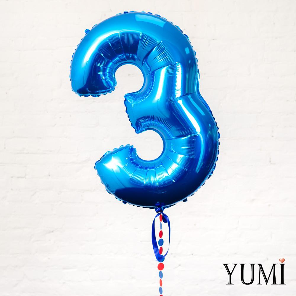 Фольгированная цифра 3 синяя с гирляндой