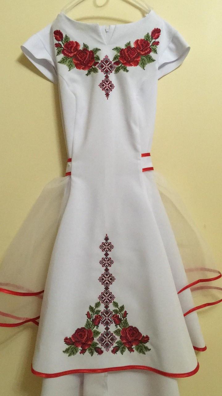 Сукня святкова вишита для дівчинки машинна робота  продажа 55ff2f8de17cd