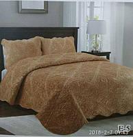 Однотонное стеганое покрывало на кровать.Ворсистый плед с наволочками.Размер 2.20 на 2.40.Цвет золот, фото 1