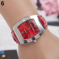 Женские наручные часыGeneva с квадратным циферблатом красные