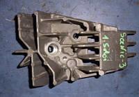Кронштейн форсунки подогрева катализатораRenaultScenic III 1.5dCi2009-20158200771226 (мотор K9K 846)