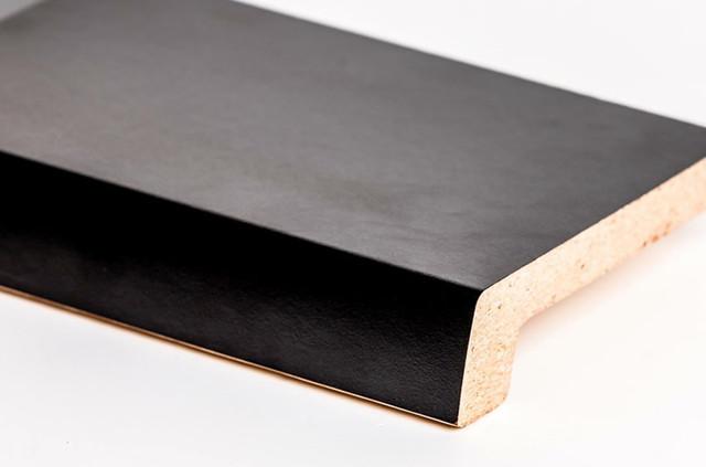Чорний (407)