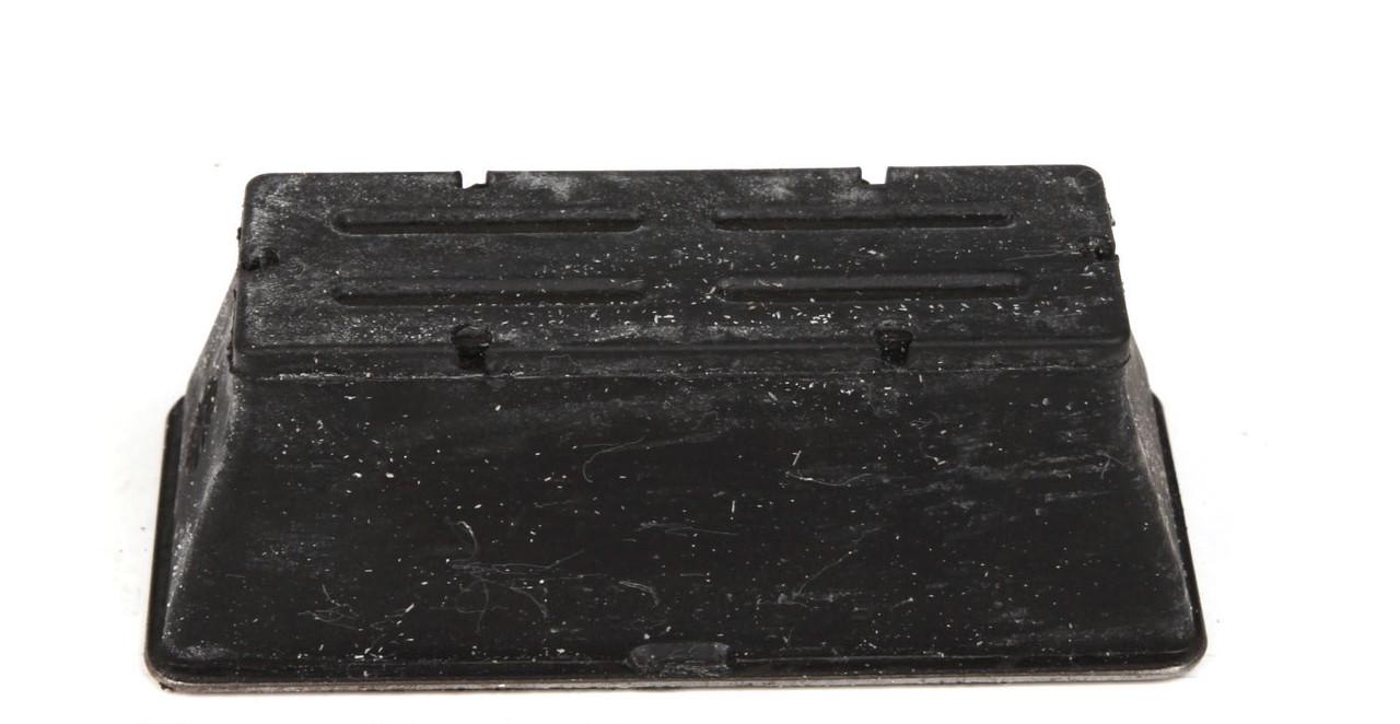 Подушка передней железной рессоры (ниж.) R  Sprinter / LT 96 -